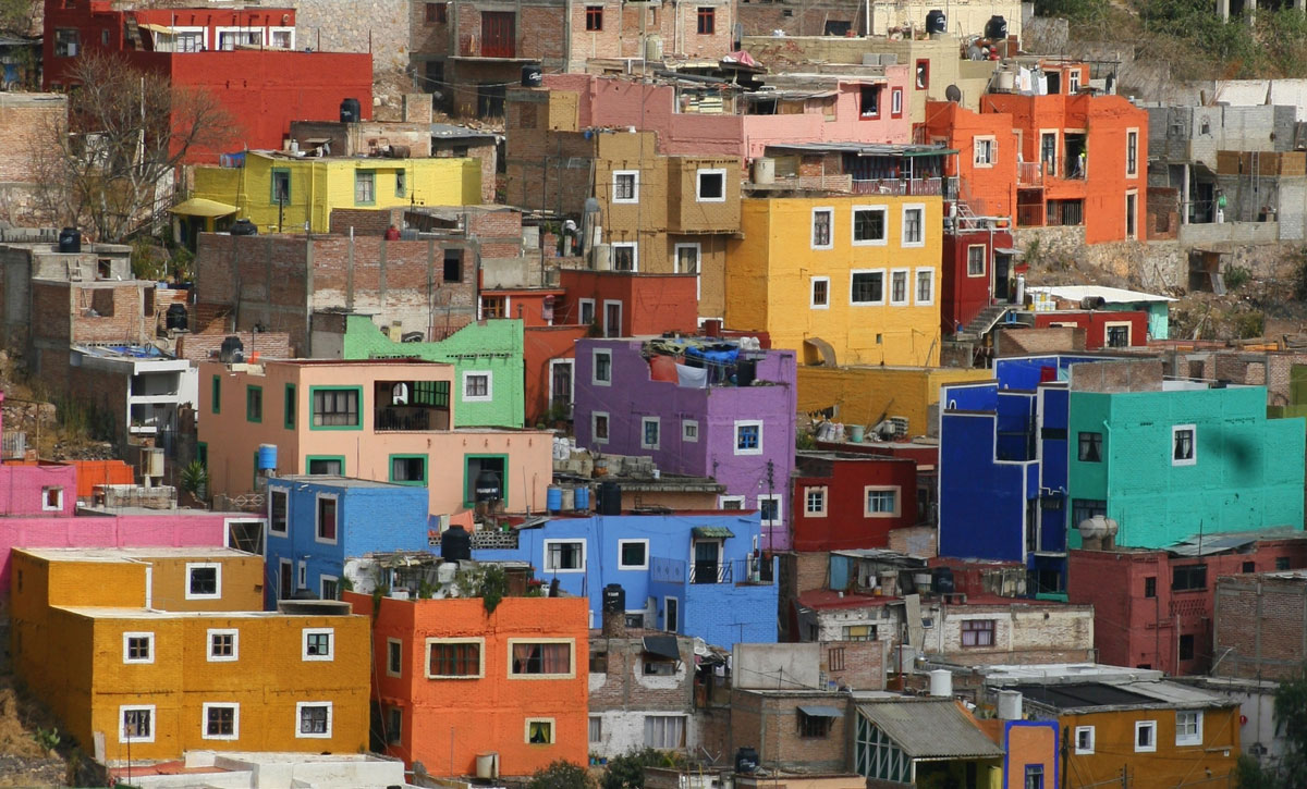 Example of piecemeal development, building analogy - favela
